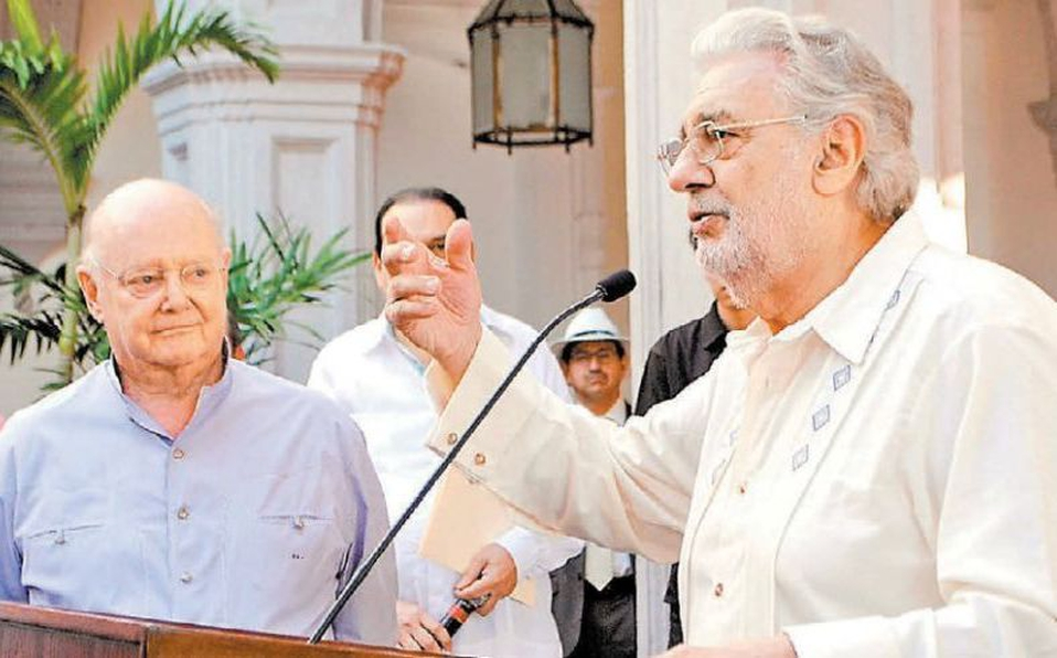 Placido Domingo and Juan Beckman at Tequila Museum